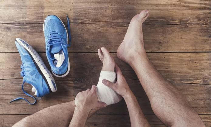 Best Shoes For Peroneal Tendonitis - men